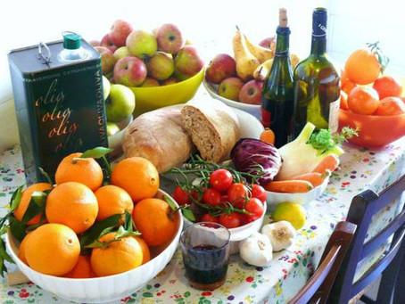 Dieta Mediterrânea, DASH e Flexitariana são eleitas as melhores dietas para 2021.