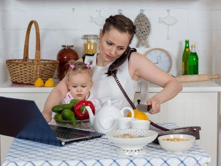 Dicas simples de alimentação saudável para mulheres atarefadas.