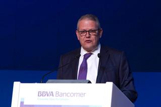 Cambios en la presidencia de BBVA Bancomer; Luis Robles dejará el grupo por jubilación y llegaría Ja