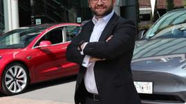 ¿Quieres un Tesla? Santander te echa la mano con el crédito