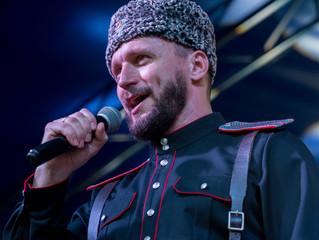 Виктор Сорокин выступил на главной площади Геленджика!