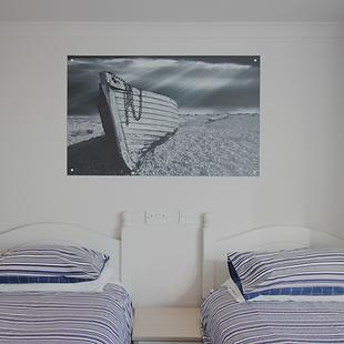 Twin bedroom in Beach Retreat apartment