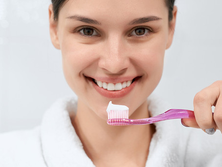 Esperar ou não 30 minutos após as refeições para escovar os dentes?