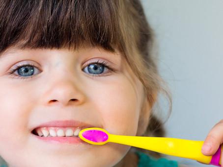 Bons hábitos de escovação em crianças vinculados ao bem-estar da mãe