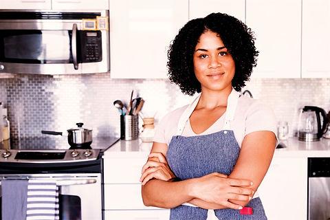 apron-on-kitchen-ready_edited_edited.jpg
