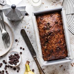 Cake alla banana, cioccolato e noci