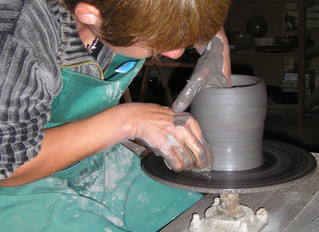 10 et 11 octobre stage de  poterie tournage pour adultes (ou ados). Débutant ou non!