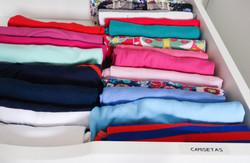 camisetas - armario organizado