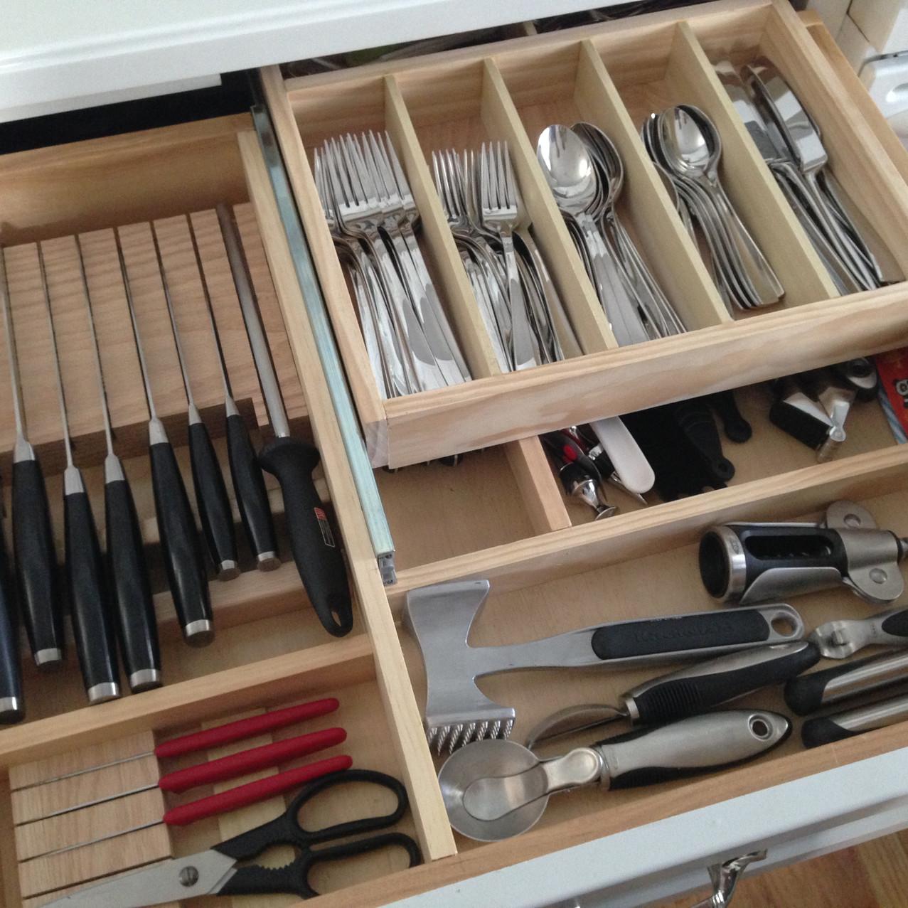 gaveta da cozinha organizada