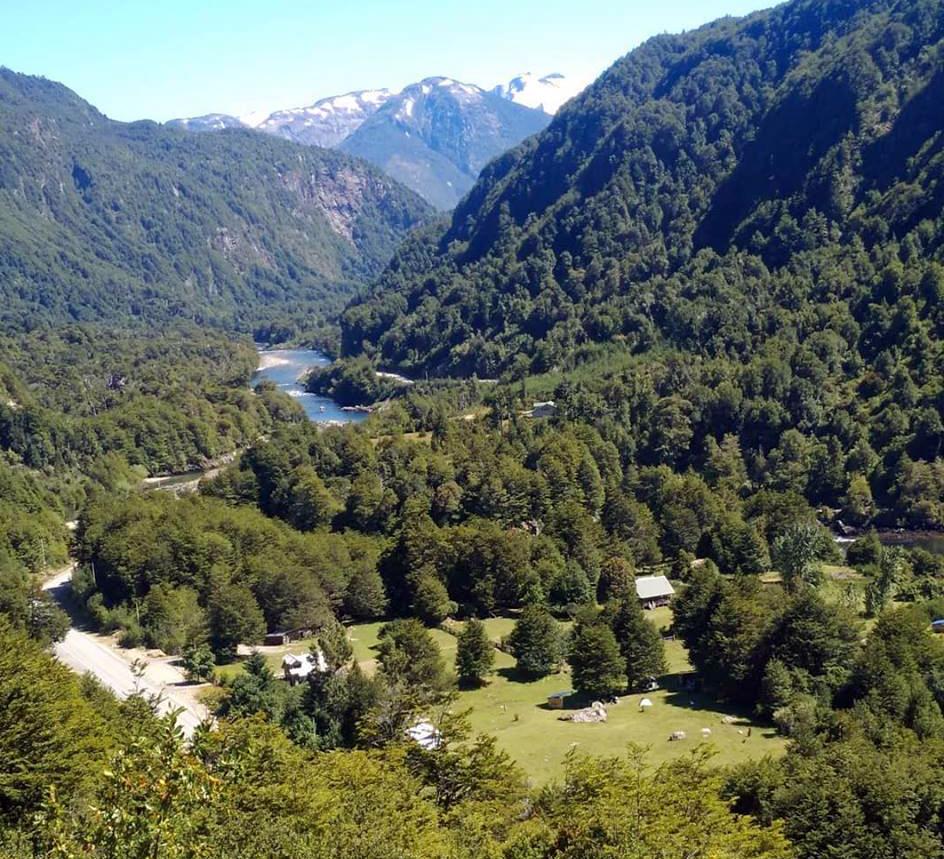 Refugio Cisnes landscape