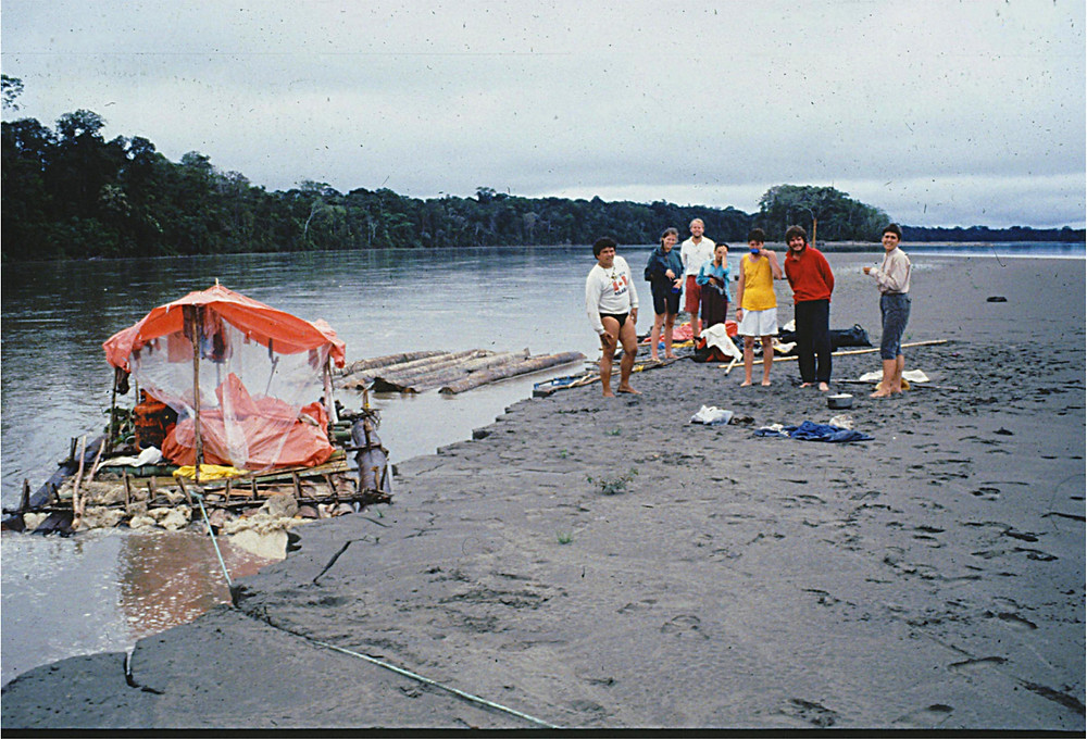1989: Disaster in the Amazon... one of tthe balsa rafts over turns