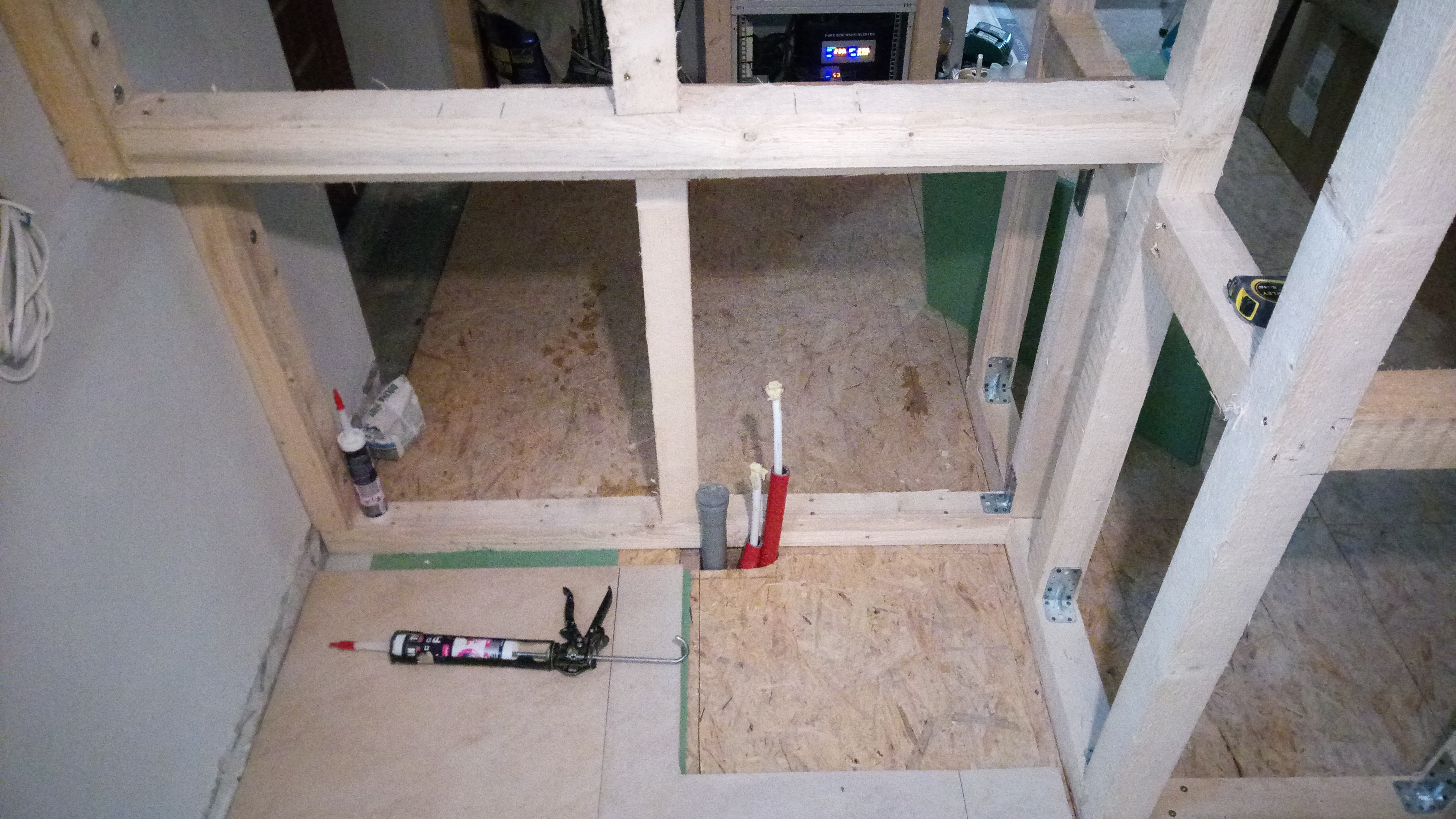 konstrukcje i scianki działowe z drewna