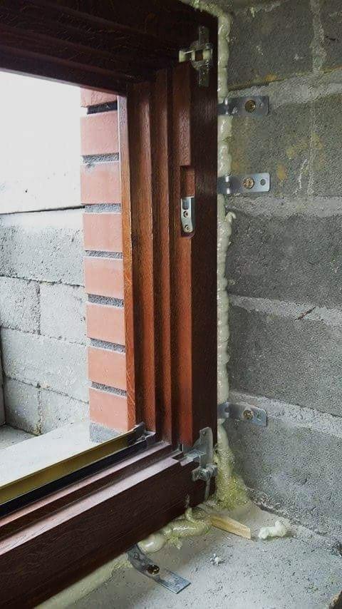 Budowa  (597)