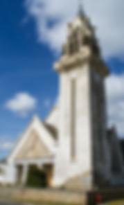 Notre Dame-des-Grâces, petit village atypique, à 24 km du relais motard, L'Arbre émaillé