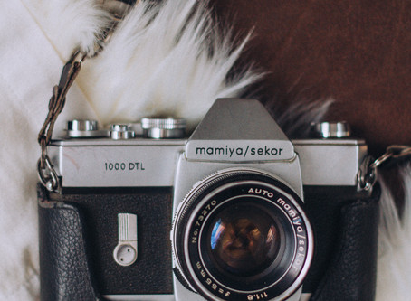 3 Things To Help You Pick The Right Props For Your Brand Photos