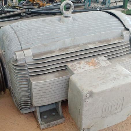 Manutenção de motor 300CV