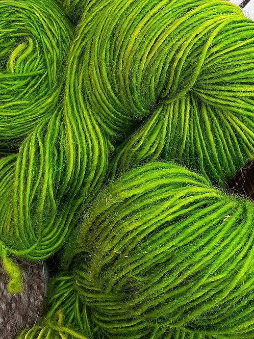 PINE GREEN YARN