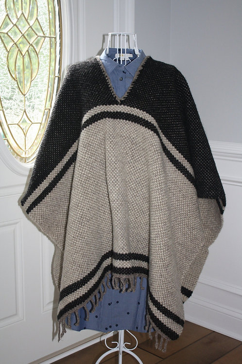 BLACK & CREAM PONCHO