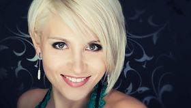 attractive-beauty-blond-301290.jpg