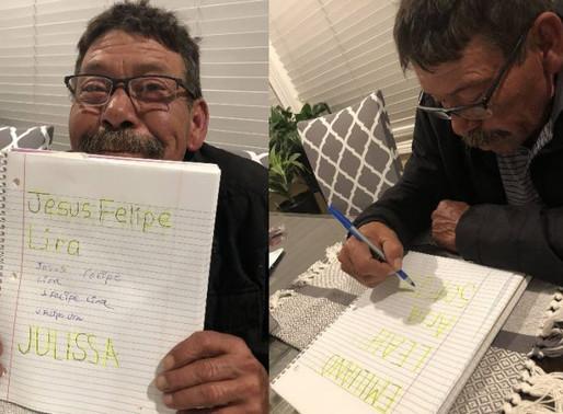 Sobrinha ensina tio analfabeto a ler e escrever durante pandemia