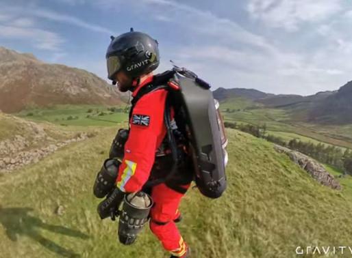 Mochila a jato faz paramédico voar e socorrer vítima 20 x mais rápido