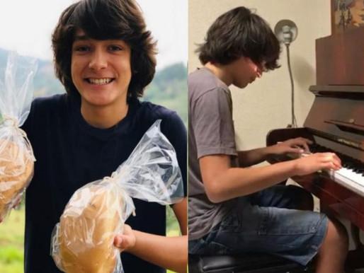 Jovem de 13 anos vende pães para comprar o próprio piano