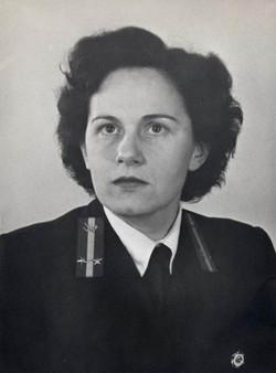 Kada Edit ellenőr, Budapest 1955