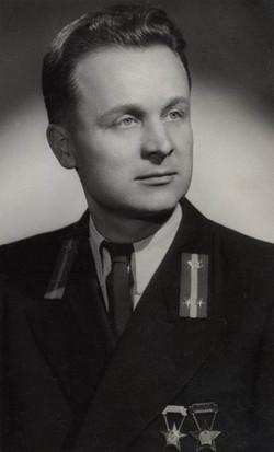 Mizer István technikus, Budapest 1954