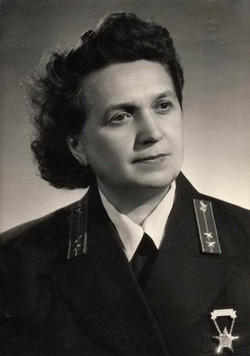 Tusnád Ferencné kezelő, Budapest 1954