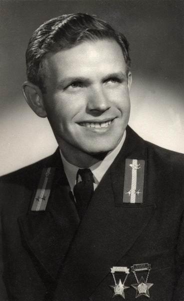 Szijjártó József technikus, Budapest 195