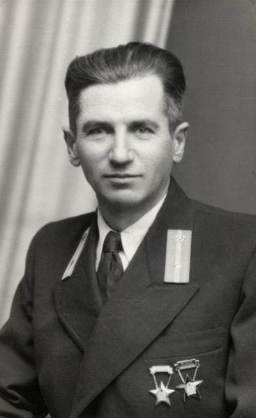 Takács Lajos műszerész, Kiskőrös 1955