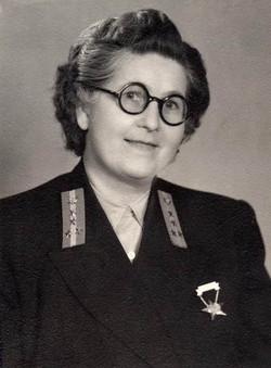 Eke Zoltánné kezelő, Budapest 1954