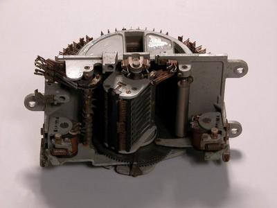 300 ívpontos választó típusú gép (7A2)