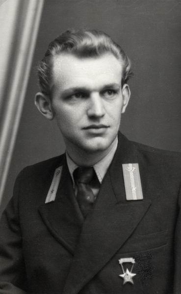 Dobrutczky István műszerész, Kiskőrös 19