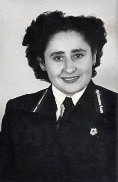 Fehér Istvánné kezelő, Budapest 1953