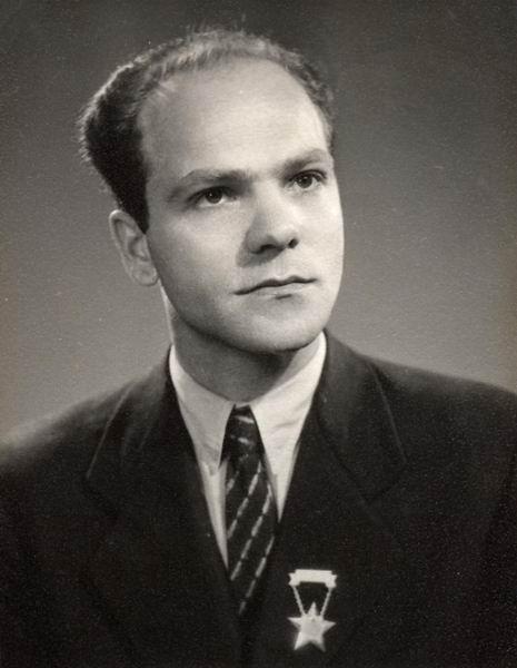Szlavik György műszerész, Székesfehérvár