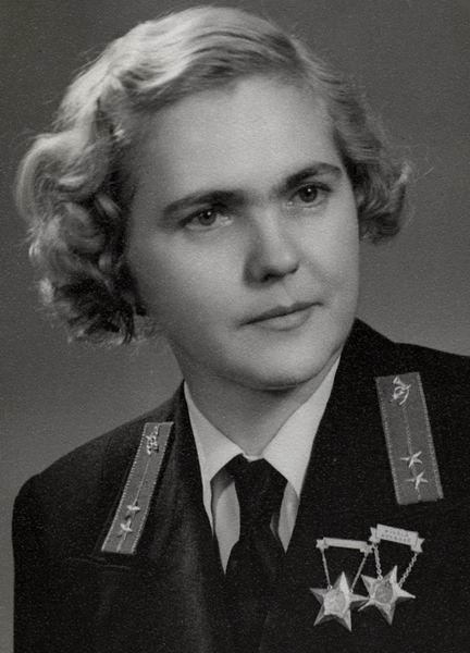 Valenta Mária kezelő, Budapest 1954