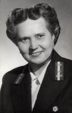 Tholt Anna kezelő, Budapest 1954