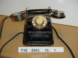CB 24-es telefon Leltári szám T16 2003