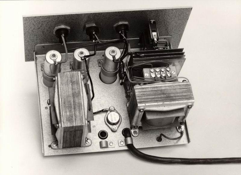 12 V-os teleppótló a hangos utasítóhoz