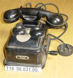 LB 37 asztali telefon Leltári szám T16 9