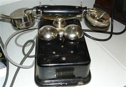 CB 24-es telefon Leltári szám T16 D.444.