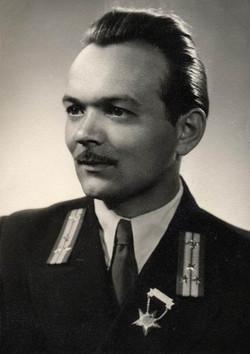 Ladik István technikus, Budapest 1955