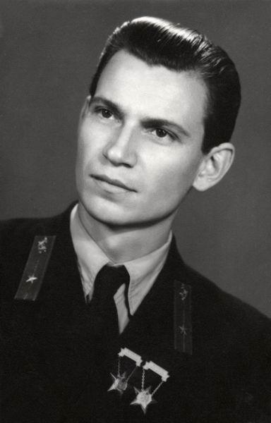 Jeges József műszerész, Pécs 1954