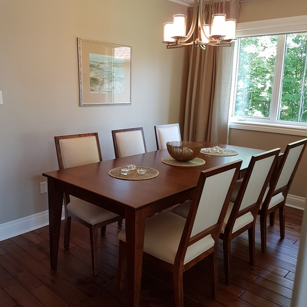 Canadel Dining Room Table & Chairs