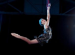 Danseuse pole dance pour animations et spectacles