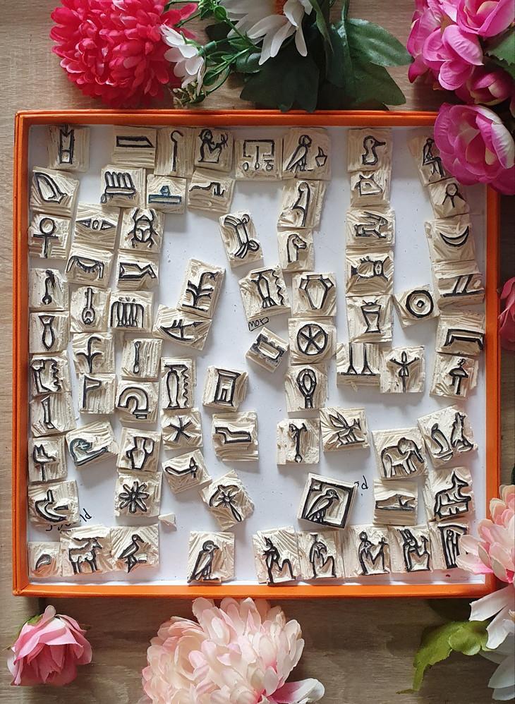 Hiéroglyphes 3 sons
