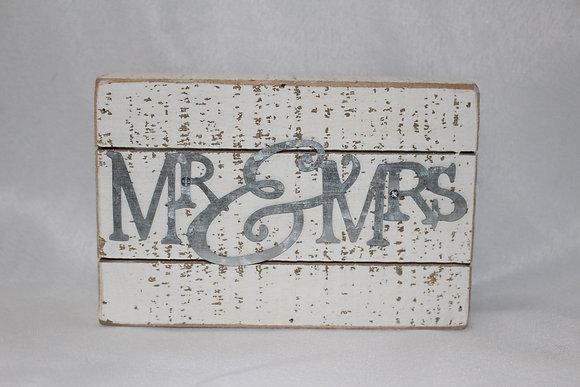 Metal Mr. & Mrs. Sign