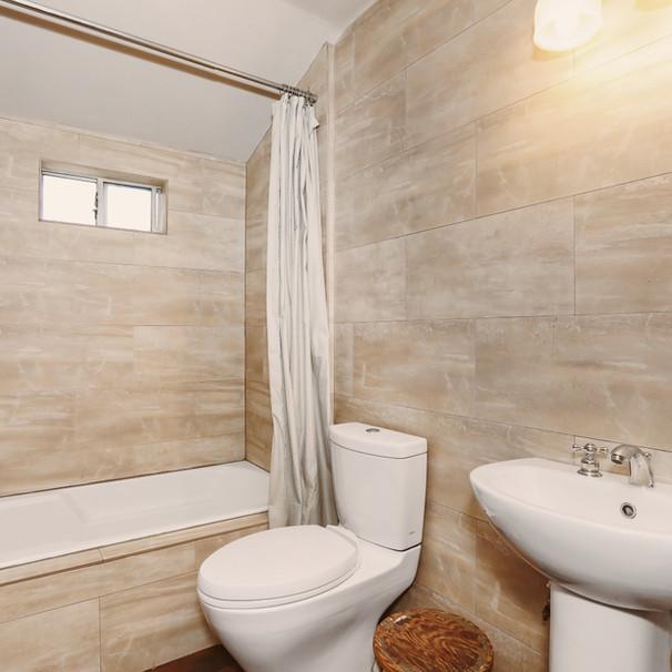 16-BATH01.jpg