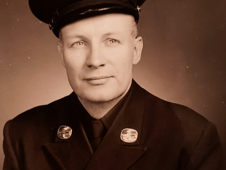 Robert W. Kahle